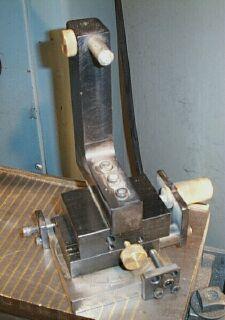 Radius dressing grinding wheels